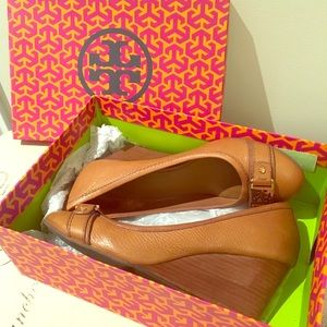 Tory Burch Closed toed Wedge